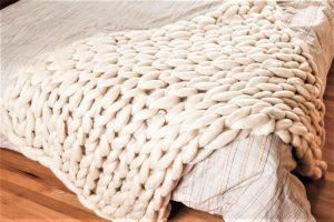 Knit Giant Chunky Blanket