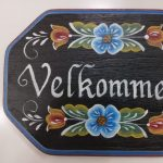 Crafting a Rosemaling Plaque